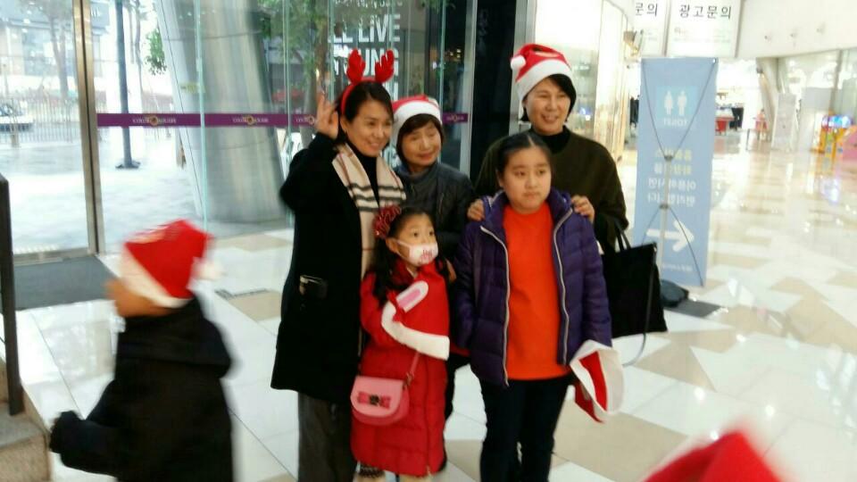 새터민 아이들과 함께  문화체험(오른쪽)