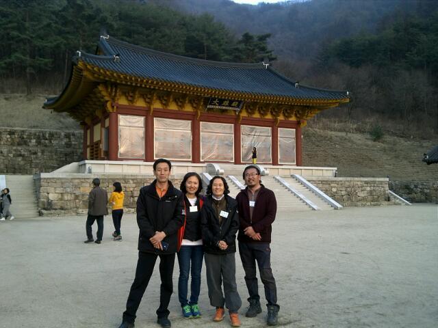 불교대학 동기들과 함께 (왼쪽 첫 번째)