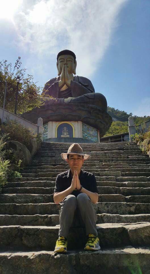 북한산 국녕사에서 두 손 모아 나라의 안녕과 평화 통일을 염원