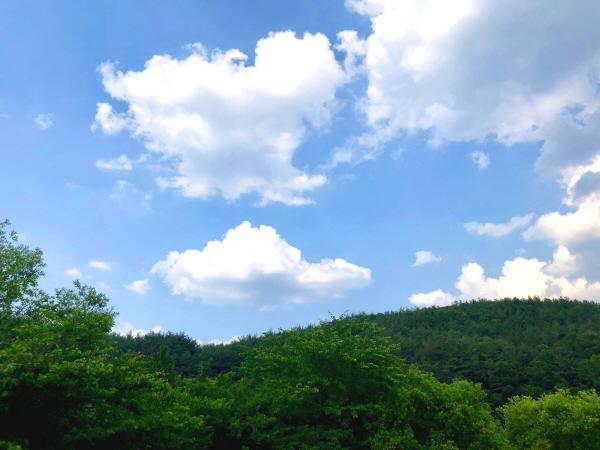 두북의 맑은 하늘