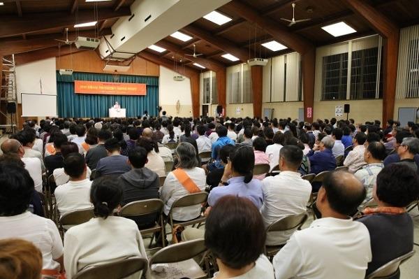 450명의 청중으로 성황을 이룬 법륜스님의 에디슨 희망강연