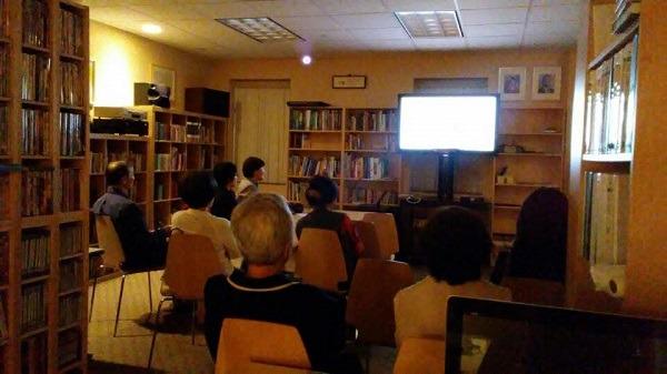 행복강좌가 열린 SYK한미커뮤니티센터 도서관
