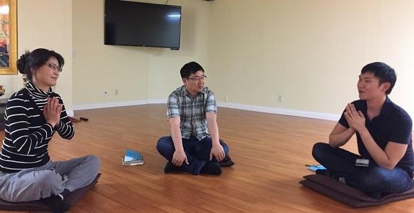 샌디에고 불교대학 6기의 나누기 모습. 왼쪽부터 지경실, 김경수, 성태수 님