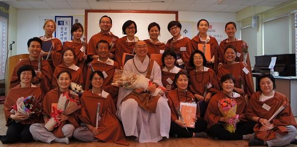 2017 동아시아(마닐라,세부)와 동남아시아(방콕,하노이,싱가포르) 불교대학 졸업생 일동