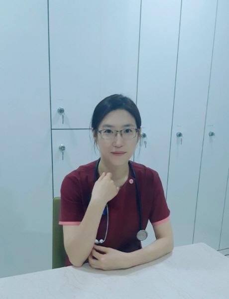 병원에서 간호사로 근무하는 이선숙 님.