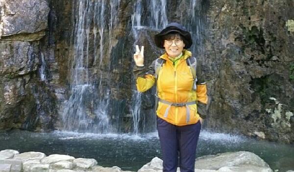 맑고 ,밝고, 가볍게 웃는 박윤희 님입니다.