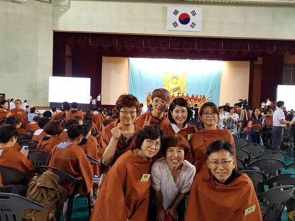 2016가을불교대학 졸업식 (첫줄 오른쪽 첫번째)